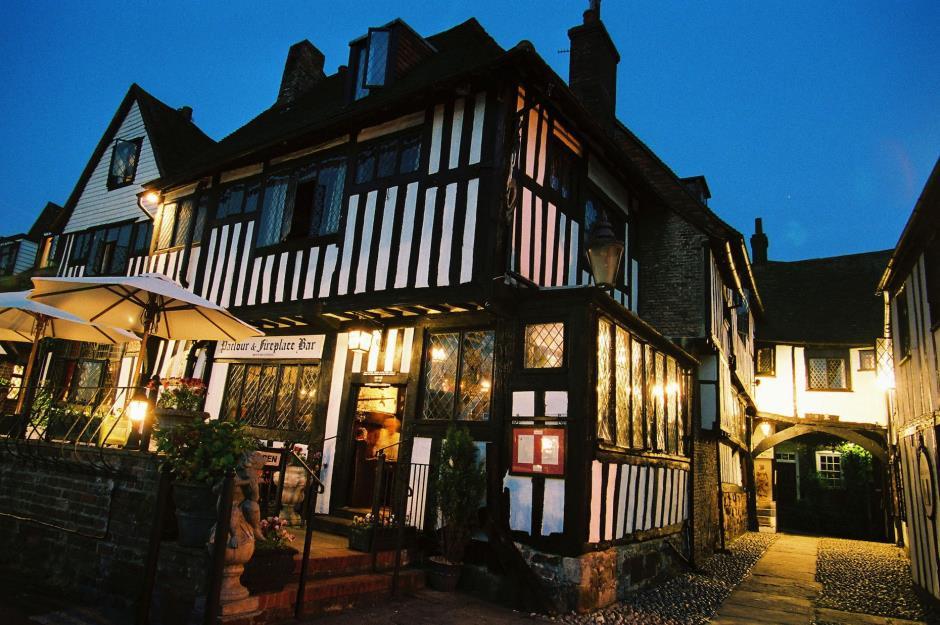 هتل THE MERMAID INN در انگلستان