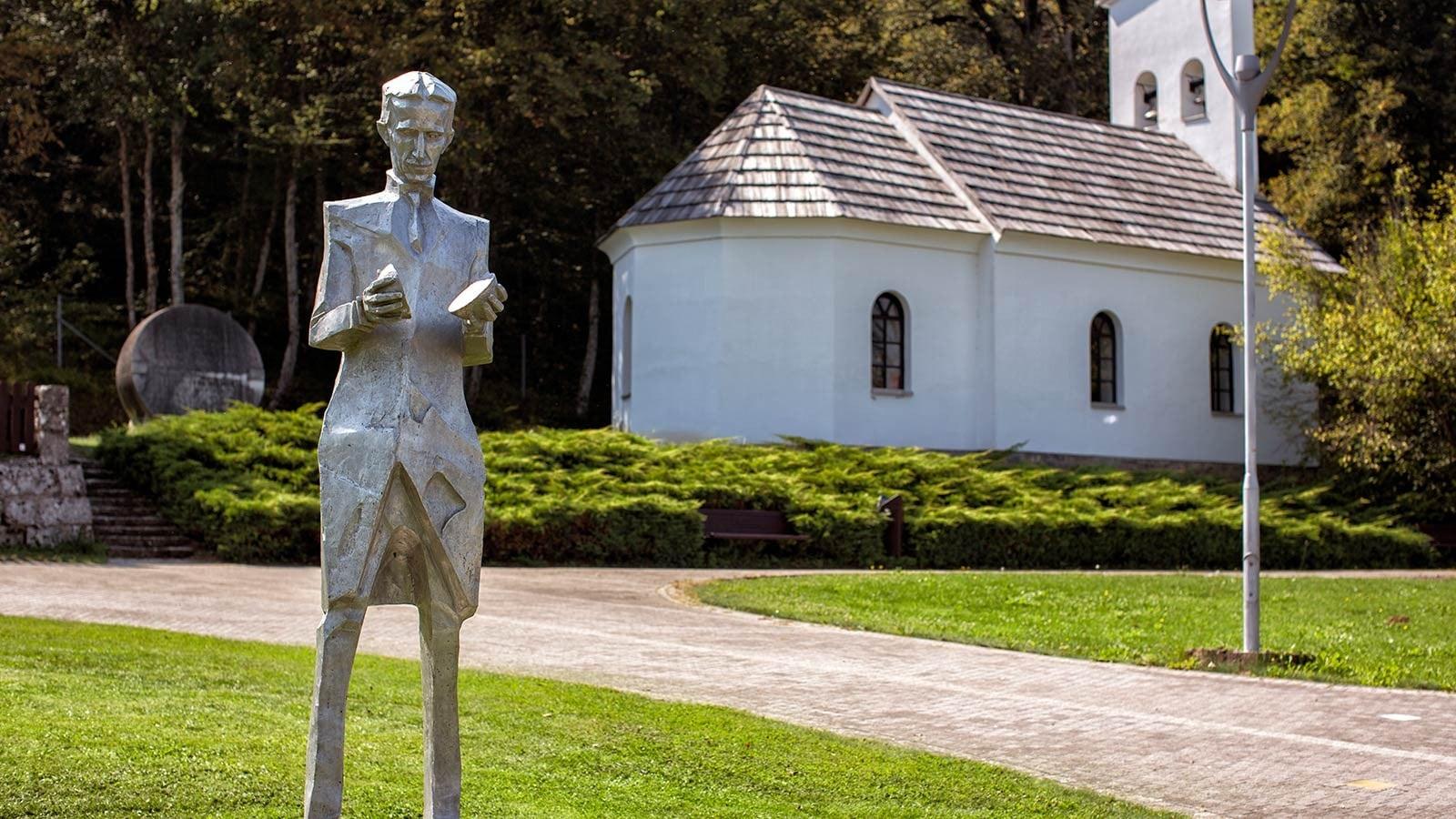 مجسمه نیکولا تسلا در زادگاهش