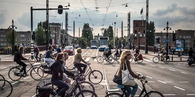 و پس از سادوچخه سواری در بیشتر کشورها به عنوان یک فرهنگ جا افتاده است.