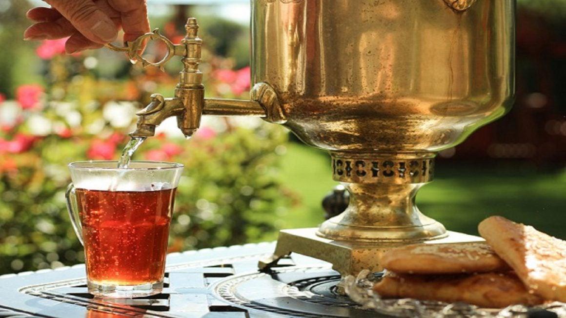 چای درست کردن در قومیت ها و مکان های مختلف با هم متفاوت است.