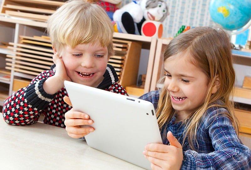 زمان استفاده از تکنولوژی برای کودکان