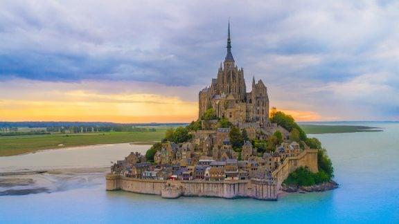 معرفی قلعههای قرون وسطای اروپا که حتما باید از آنها دیدن کنیم!
