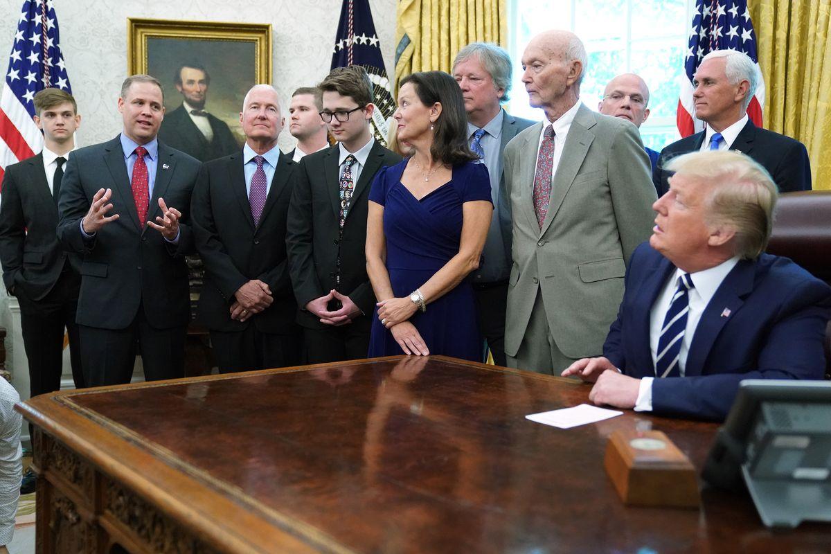 مریخ مستقیم-Oval Office و سخنان بریدنستین مدیر ناسا