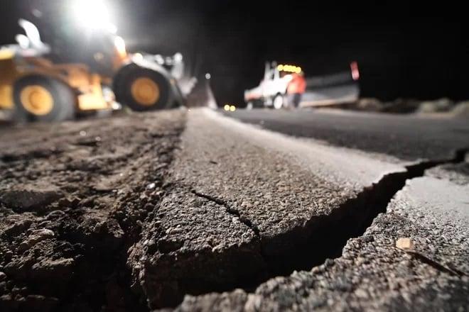 اسرار دو زلزله بزرگ کالیفرنیا-شکافهای بزرگ برشی در زمین