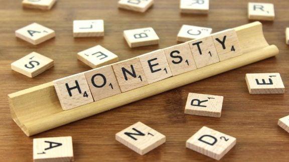 سرچشمه گناه: ما دارای صداقت شهودی هستیم یا به طور طبیعی متقلبیم