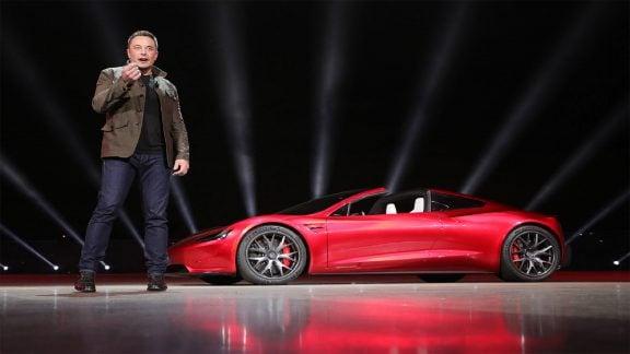 ایلان ماسک: آزمایش شناور رودستر تسلا با محموله SpaceX در اواخر سال آینده