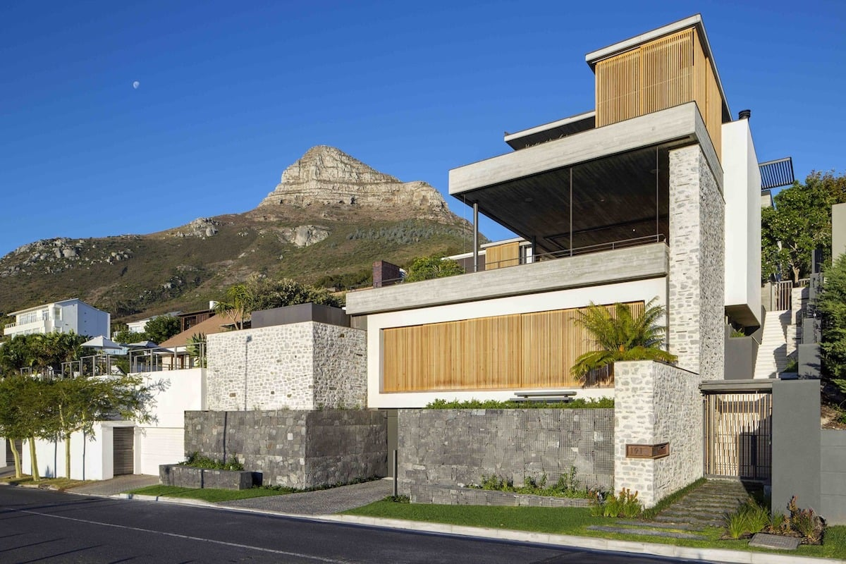 35 طراحی مدرن خانه-Gorgeous House With Gabion Walls