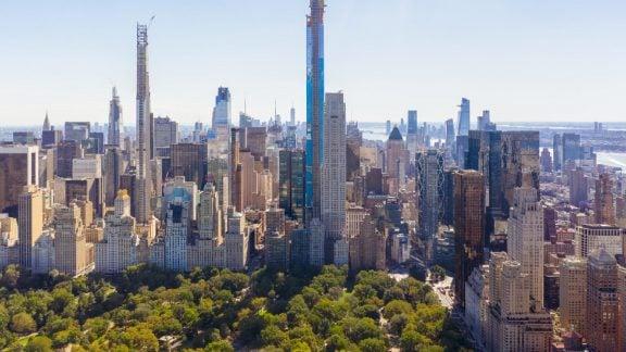 برج پارک مرکزی نیویورک دومین آسمان خراش بلند در نیمکره غربی است