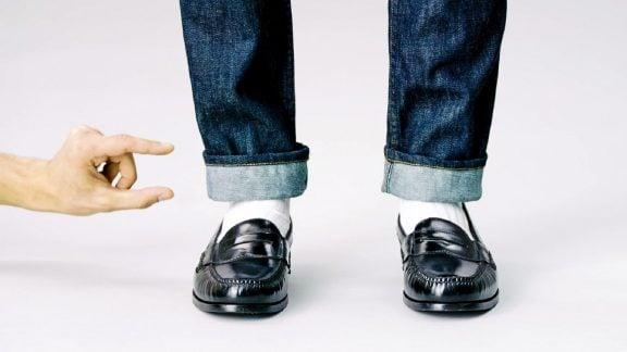 تا زدن پاچههای شلوار جین از مچ پا به بالا: 3 راه آسان برای جذابیت بیشتر شما