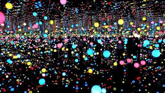 سفری دلبربا به درون اتاق بینهایت خیالی Yayoi Kusama در نیو انگلند