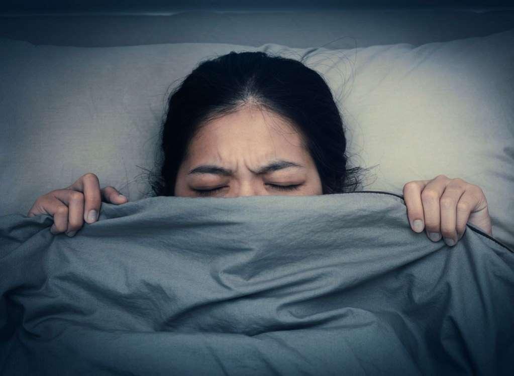 10 مورد از ناسالمترین عادتهای خواب در سیاره زمین